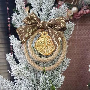 χειροποίητα γουρια, γούρι με σχοινί και φιόγκο χριστουγεννιάτικο