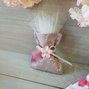 Φλοράλ πουγκί μα ροζ κορδέλα και λουλούδι