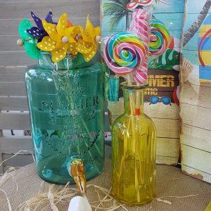 Διακόσμηση πάρτυ χρωματιστές γυάλες με ανεμόμυλους