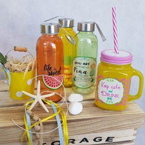 Διακόσμηση πάρτυ: γυάλινα χρωματιστα ποτήρια και παγούρια