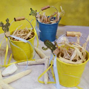Διακόσμηση πάρτυ: πολύχρωμα τσίγκινα κουβαδάκια για δωράκι