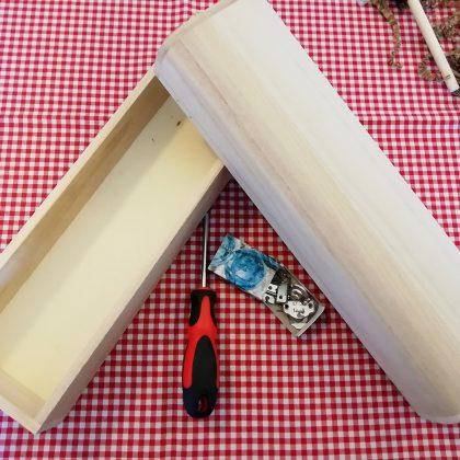 απλό ξύλινο κουτί