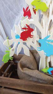 Πασχαλινή διακόσμηση: πασχαλινό δέντρο με κρεμαστά λαγουδάκια