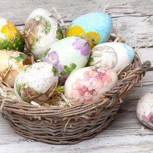 Πασχαλινή διακόσμηση με αυγά ντεκουπάζ
