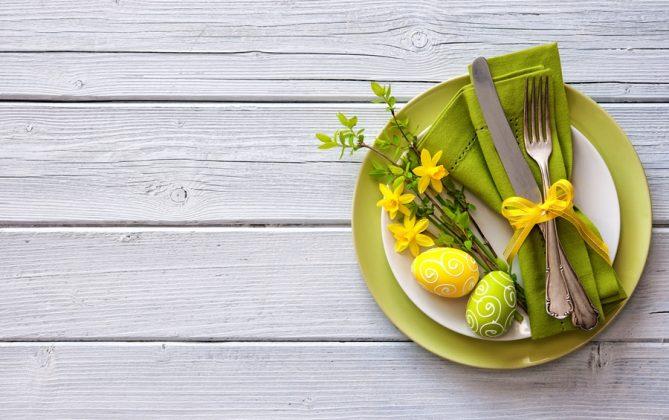 Σερβίτσιο σε κίτρινες και πράσινες αποχρώσεις για Πασχαλινό τραπέζι