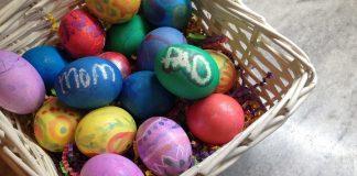 Ζωγραφιστά αυγά σε διάφορα χρώματα
