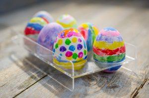 Ζωγραφιστά αυγά πολύχρωμα σε πλαστική αυγοθήκη