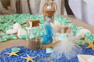 Μπομπονιέρες γάμου με θέμα θάλασσα: δοκιμαστικοί σωλήνες και βαζάκια