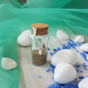 Μπομπονιέρες γάμου με θέμα θάλασσα: δοκιμαστικός σωλήνας γεμισμένος με άμμο και μικρές πέρλες