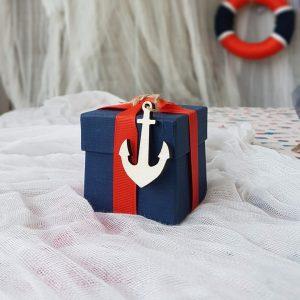 θέμα βάπτισης αγόρι ναυτικό: μπομπονιέρα κουτί με ξύλινη άγκυρα