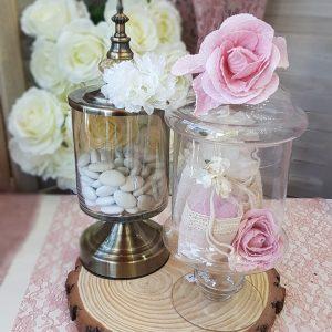 φονταινιέρες και γυάλες με vintage διακόσμηση για στολισμός γάμου vintage
