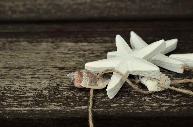 Diy γιρλάντα με κοχύλια, αστερίες και φυσικό σπάγκο