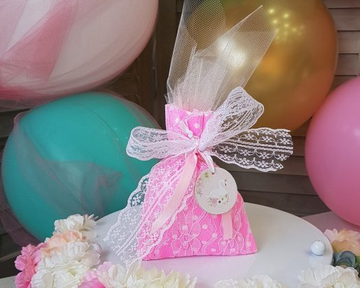 ροζ φλούο πουγκί με λευκή δαντέλα