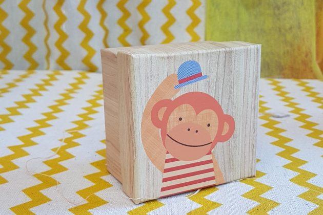 ξύλινο κουτάκι μαιμού
