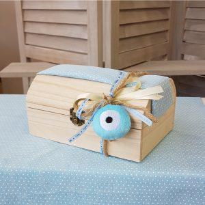 Ξύλινο κουτί με κορδέλες για μαρτυρικά