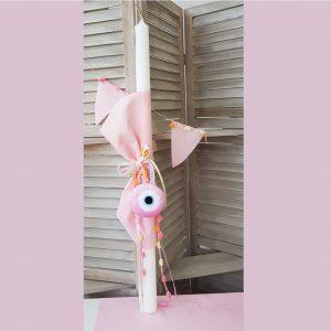 Λαμπάδα για κορίτσι με ροζ ύφασμα και ροζ υφασμάτινο μάτι