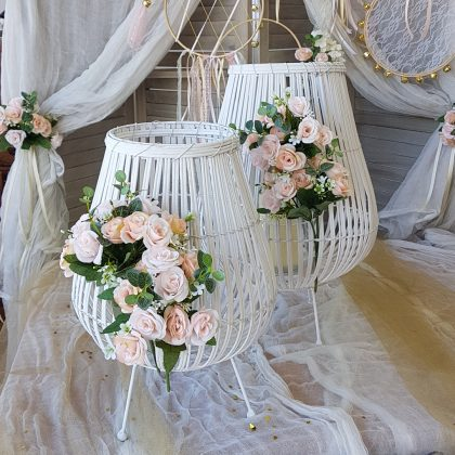 μπαμπού φανάρια με λουλούδια