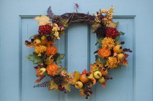 Ιδέες για φθινοπωρινή διακόσμηση σπιτιού, Στεφάνι με φυσικά υλικά