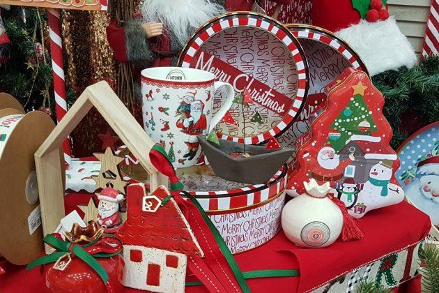 χριστουγεννιάτικη διακόσμηση κόκκινη