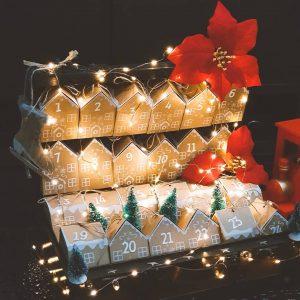 ημερολόγιο αντίστροφης μέτρησης χριστουγέννων με χάρτινα κουτάκια