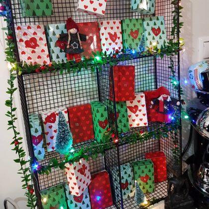 ημερολόγιο αντίστροφης μέτρησησ χριστουγέννων με κουτιά χριστουγεννιάτικα