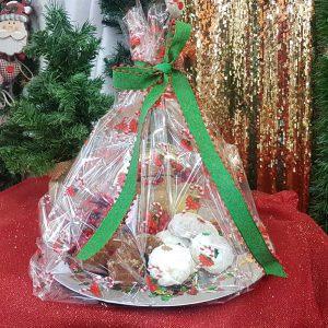 Χριστουγεννιάτικη πιατέλα με γλυκά για δωράκι