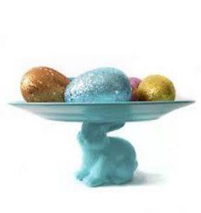 πασχαλινή διακόσμηση σε δίσκο με αβγά και λαγό