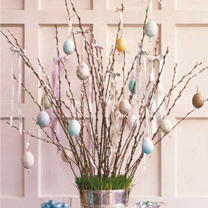 πασχαλινή διακόσμηση με αβγά σε δέντρο