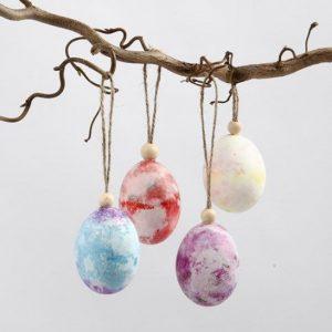 χρωματιστά κρεμαστά αυγά