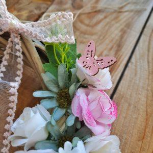 στεφάνια πρωτομαγιάς: ξύλινε πεταλούδες για διακόσμηση
