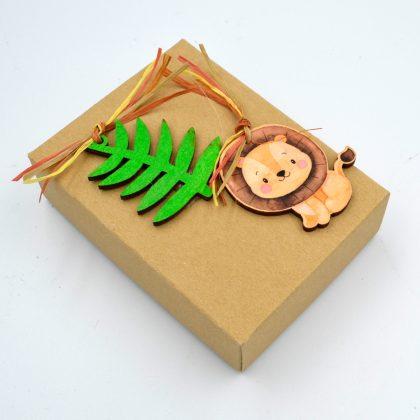 βάπτιση με θέμα ζωάκια της ζούγκλας: κουτί μπομπονιέρα με λιονταράκι