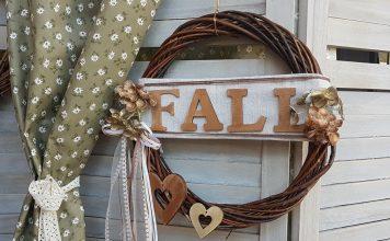 στεφάνι φθινοπωρινό με ξύλινα γράμματα